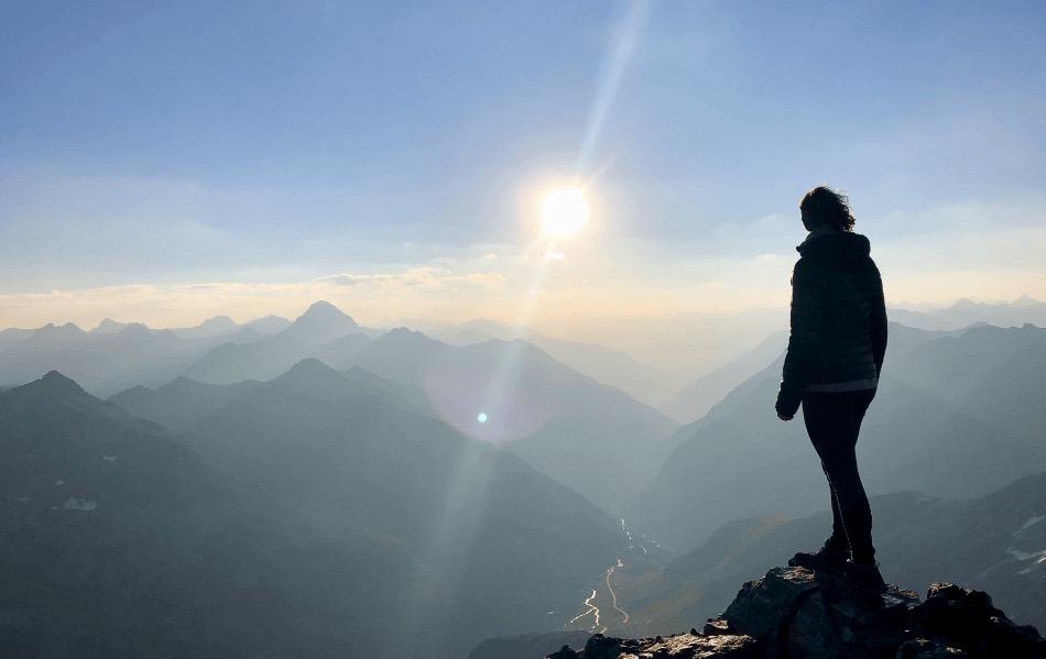 Flüeler Schwarzhorn bei Sonnenaufgang